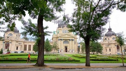 سيتي بارك بودابست من اجمل حدائق بودابست وأكبر حديقة فيها