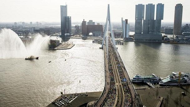 جسر إيراسموس من افضل اماكن السياحة في روتردام