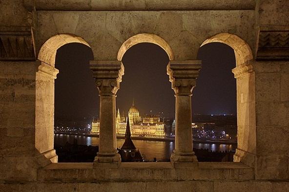حصن فيشرمان في بودابست المجر