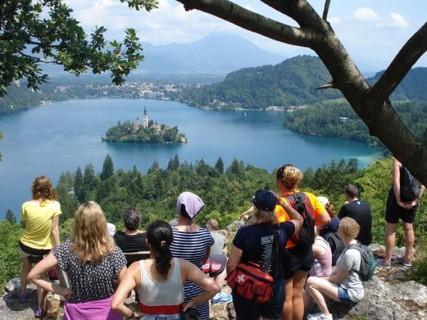 بحيرة بليد من افضل اماكن سياحية في سلوفينيا