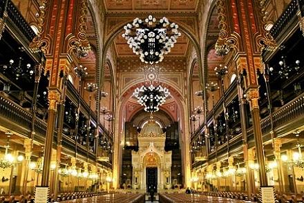 مبنى البرلمان المجري من اشهر اماكن السياحة في المجر بودابست