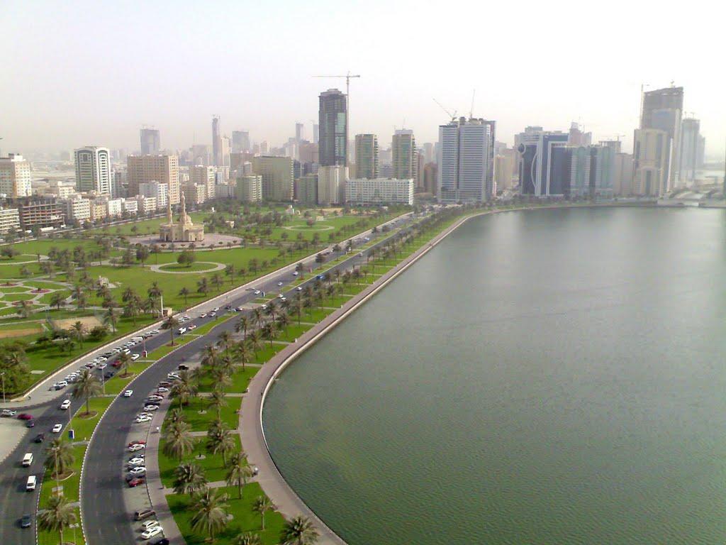 بحيرة خالد من افضل اماكن الترفيه في الشارقة الامارات
