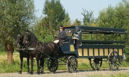 عربة الأحصنة في طواحين كنديرديك