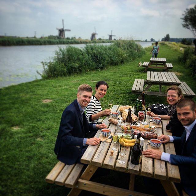 باحة مطعم طواحين كنديرديك في روتردام