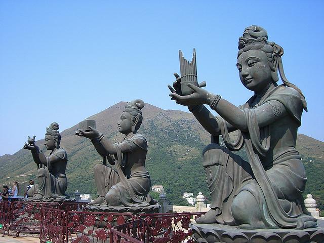 جزيرة لانتاو من افضل اماكن السياحة في هونج كونج الصين