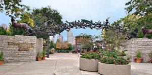 تعرف في المقال على افضل الانشطة السياحية في حديقة حيوانات لينكولن بارك في شيكاغو ، بالإضافة الى افضل فنادق شيكاغو القريبة منها