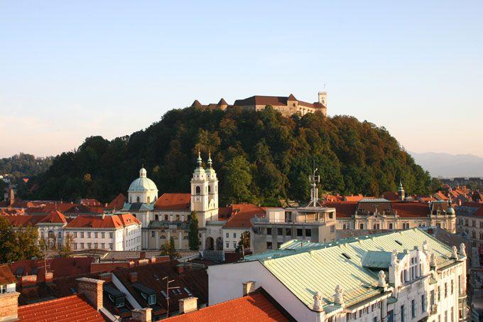 قلعة ليوبليانا من اشهر اماكن السياحة في سلوفينيا