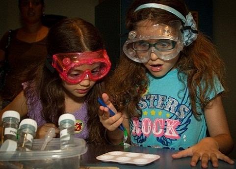 التجارب العلمية في مركز أورلاندو العلمي