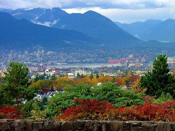 حديقة الملكة اليزابيث من افضل اماكن سياحية في فانكوفر كندا