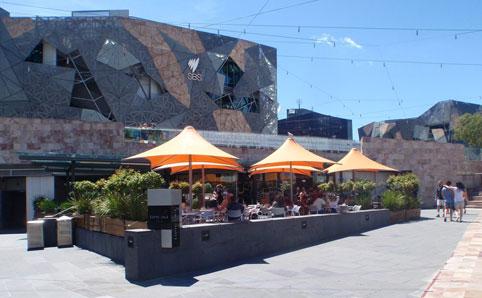ساحة الاتحاد من افضل اماكن السياحة في ملبورن استراليا