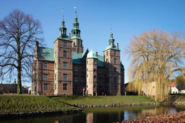 قلعة روزنبرج من افضل اماكن في كوبنهاجن سياحة
