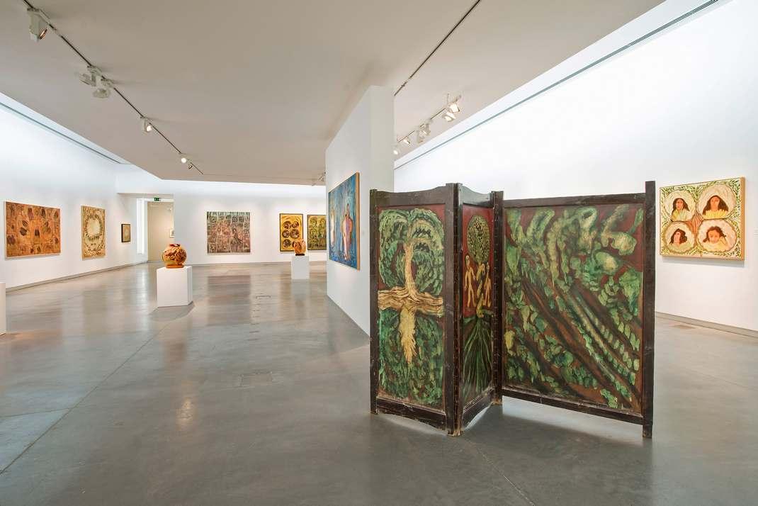 متحف الشارقة للفنون من اشهر الاماكن السياحية في الشارقة الامارات