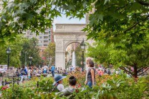 تعرف في المقال على افضل الانشطة السياحية في منتزه واشنطن سكوير نيويورك ، بالإضافة الى افضل فنادق نيويورك القريبة منه