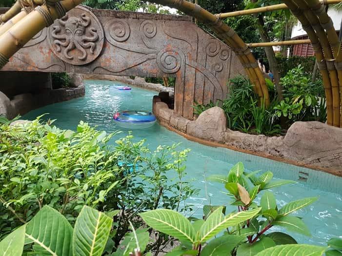 مدينة ملاهي المغامرة من افضل الاماكن السياحية في مدينة سنتوسا بسنغافورة