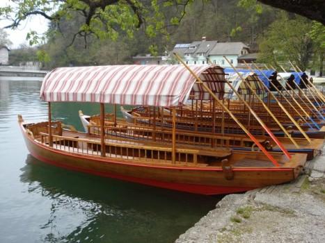 بحيرة بليد من افضل الاماكن السياحية في بليد سلوفينيا