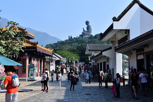 جزيرة لانتاو من افضل الاماكن السياحية في هونغ كونغ الصين