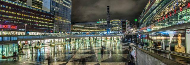 ساحة سيرجلس تورج في مدينة ستوكهولم السويدية