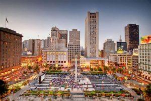 تعد ساحة الاتحاد في سان فرانسيسكو من افضل اماكن السياحة في امريكا