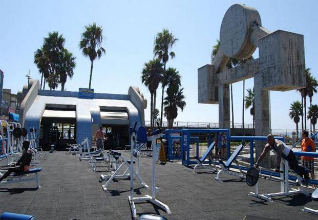فينيس بيتش لوس انجلوس من افضل اماكن السياحة في لوس انجلوس امريكا