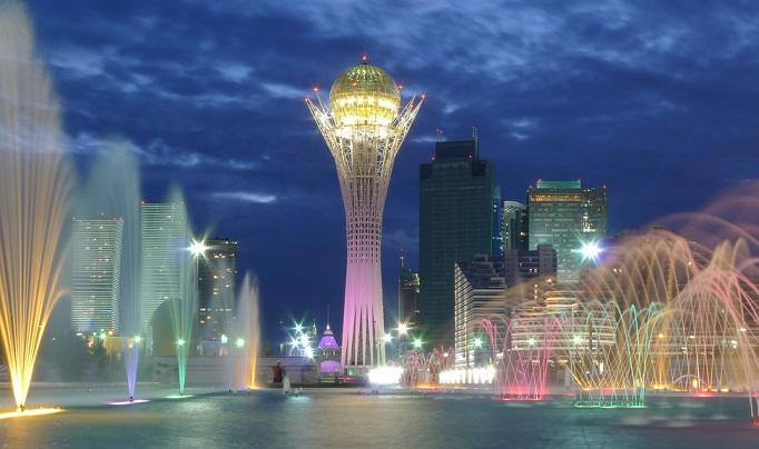 مشهد برج بايتيريك في أستانا - السياحة في استانا