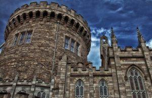 تعرف في المقال على افضل الانشطة السياحية في قلعة دبلن في إيرلندا ، بالإضافة الى افضل فنادق دبلن القريبة منها