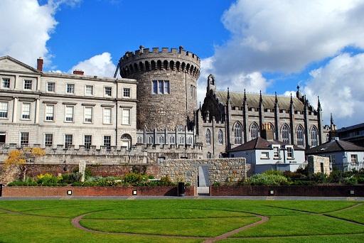 قلعة دبلن من اهم اماكن السياحة في دبلن ايرلندا