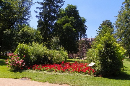 حدائق اوروبا من اجمل اماكن السياحة في انسي