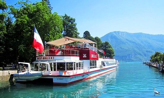 بحيرة أنسي في فرنسا