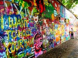 جدار لينون في براغ