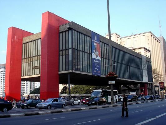 متحف ساو باولو للفن في البرازيل