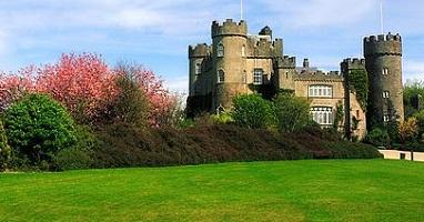 قلعة مالاهايد من اجمل الاماكن في دبلن سياحة