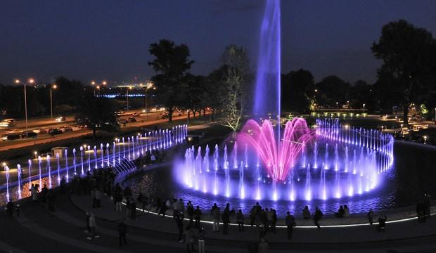 حديقة نافورة وارسو بولندا