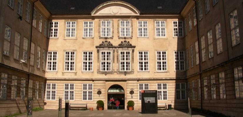 المتحف الوطني الدنماركي من افضل اماكن السياحة في الدنمارك كوبنهاجن