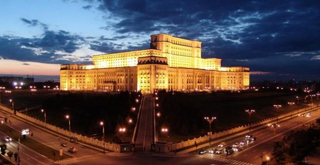 قصر البرلمان الروماني من افضل اماكن السياحة في بوخارست