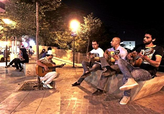 موسيقيي شارع الرينبو في عمان