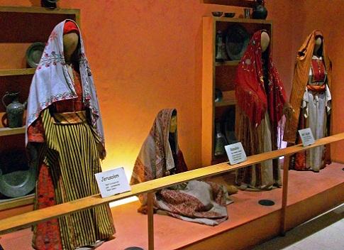 متحف الفلكلور الأردني في المدرج الروماني في عمان