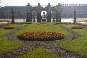 حديقة ساكسون من اجمل حدائق وارسو بولندا