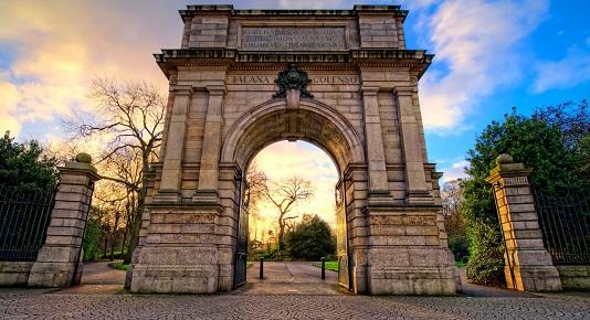حديقة سانت ستيفنز جرين من افضل الاماكن السياحية في دبلن