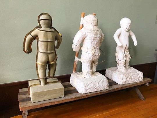 مراحل عمل منحوتة الطفل الغاضب في متحف حديقة فيجلاند في أوسلو