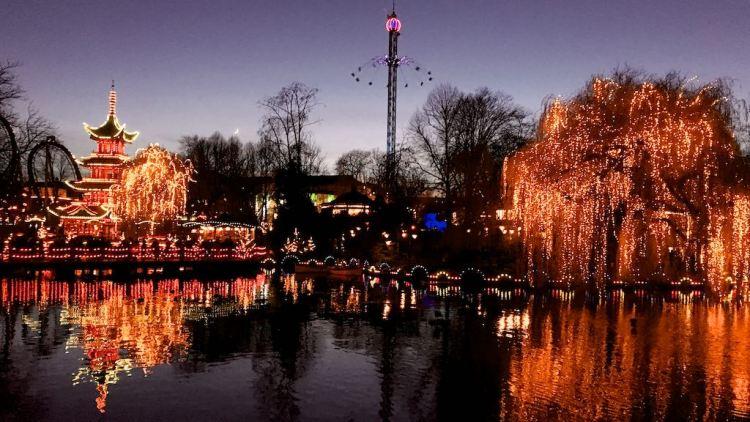 حديقة تيفولي كوبنهاجن - من افضل اماكن السياحة في كوبنهاجن الدنماركية