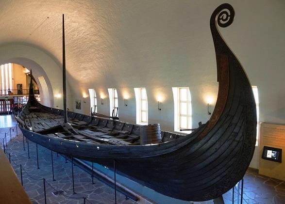 سفينة أوزيبيرغ في متحف سفينة الفايكينغ في أوسلو