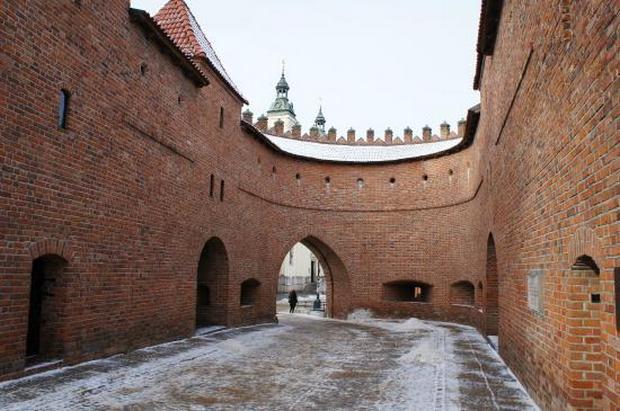 حصن وارسو من افضل اماكن السياحة في بولندا