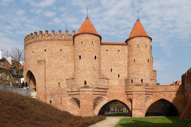 حصن وارسو بولندا