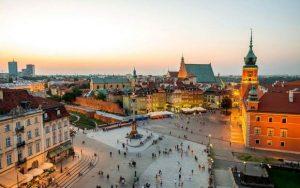 تعرف في المقال على افضل الانشطة السياحية في البلدة القديمة في وارسو بولندا ، بالإضافة الى افضل فنادق وارسو القريبة منها