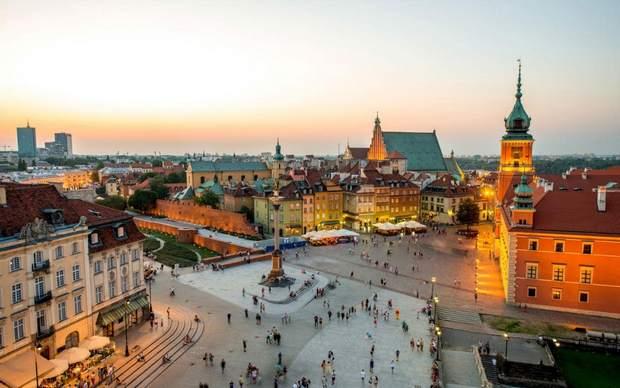البلدة القديمة في وارسو - معالم وارسو السياحية
