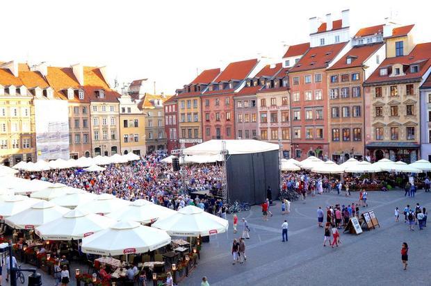 البلدة القديمة في وارسو بولندا