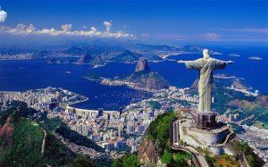 تمثال المسيح الفادي في ريو دي جانيرو البرازيل