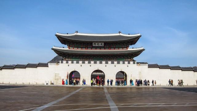 قصر جيونج بوك - اماكن سياحية في سيول كوريا