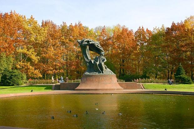 منتزه باثس الملكي من اهم الاماكن السياحية في وارسو