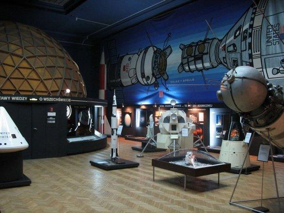 قصر الثقافة والعلوم من اجمل اماكن السياحة في وارسو